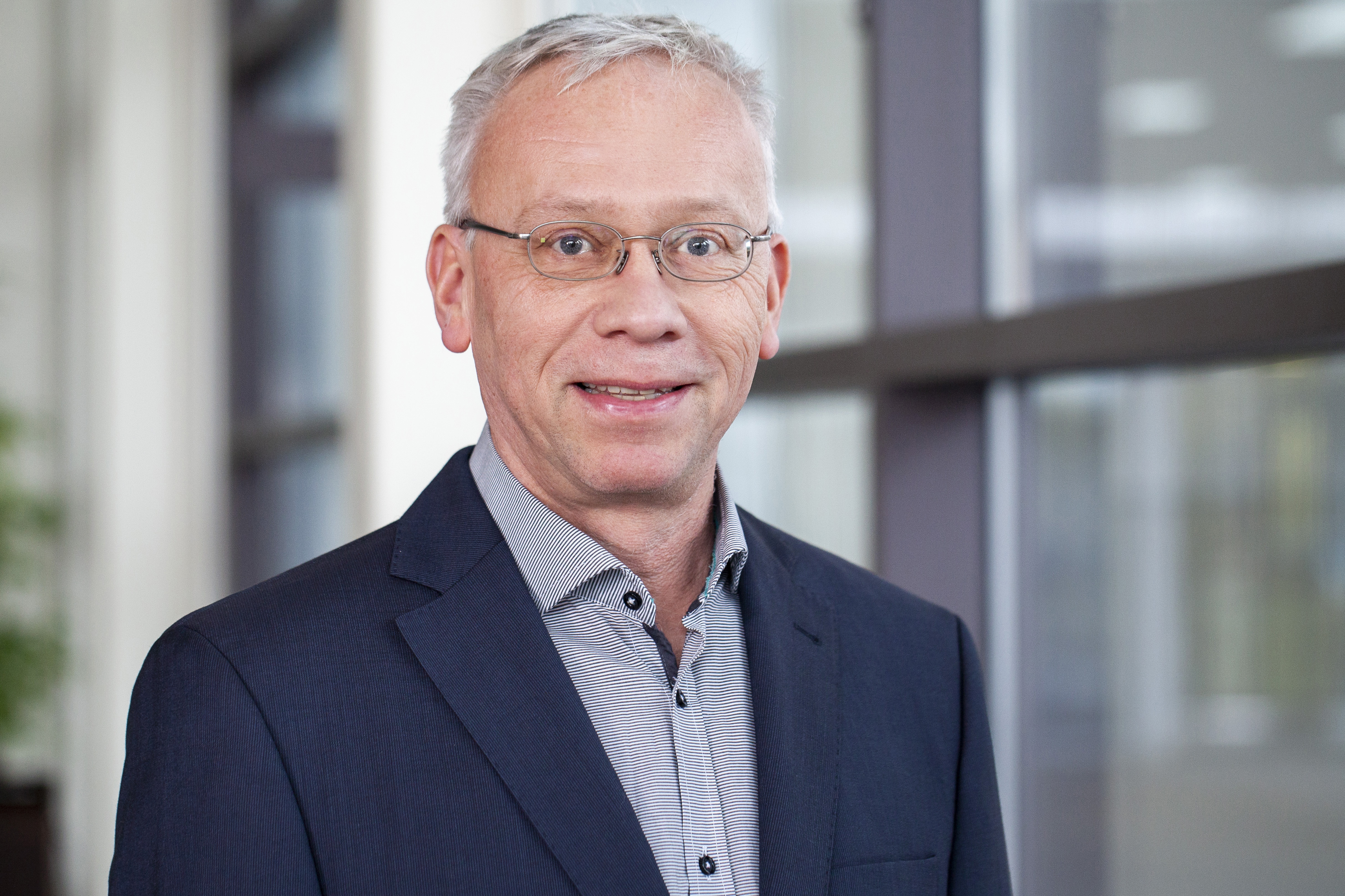 Dr. Michael Mikulla is head of the business unit »Power Electronics« at Fraunhofer IAF